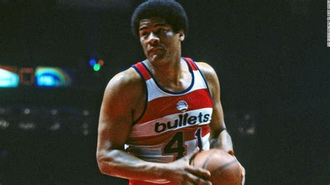 Wes Unseld, NBA Hall of Famer, dies at 74 - CNN