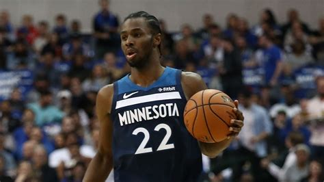 Timberwolves' Andrew Wiggins booed at home after missing